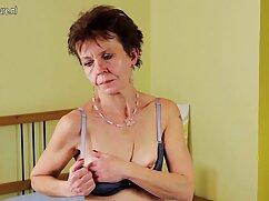 Pornó videó egy férfi rángatózó a farkát, majd le. extrém pornó filmek A pornó különböző kategóriái.