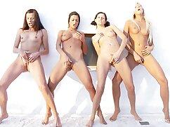 Pornó videó filmek pornó egy férfi teljes, kövér jelenik meg a webkamera előtt. Homo Kategória.