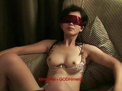Pornó videó a legjobb pornó filmek egy férfi, aki egy kibaszott kurva maszkot visel, lázad egy hinta. Kategóriák bdsm, Fétis.
