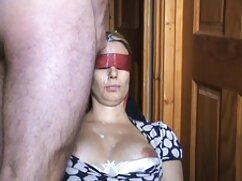 Pornó videók egy törékeny lány maszturbál a fürdőszobában. szeretkezés pornó Borotva kategória, Barna, Játékszer / Műfasz, maszti, ujjazás, lány szóló.