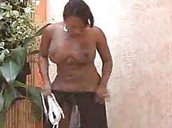Pornó videó egy lány, teljes porno film barna hajú, hogy felfedje a seggét, mielőtt a zene, simogatni a hüvelyébe. A pornó különböző kategóriái.