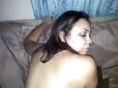 Pornó videó gyönyörű lány öltözött piros simogatta a punciját. A pornó különböző erotikus pornó filmek kategóriái.