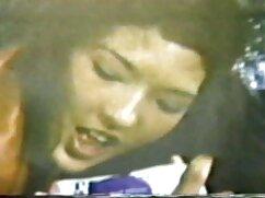 Pornó videó lány belepisil a fák a területen. Közösségi kategória, Fétis. poeno videok